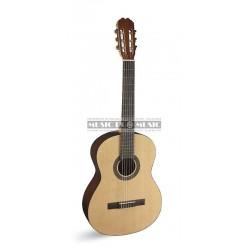 Admira SARA - Guitare classique 4/4 avec table en épicéa