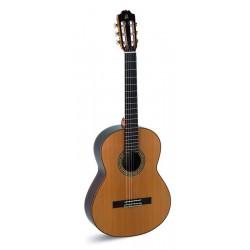 Admira A5 - Guitare classique 4/4 table cèdre massif fabriquée en Espagne