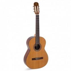 Admira MALAGA 4/4 - Guitare classique 4/4 table cèdre massif fabriquée en Espagne